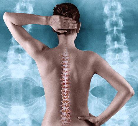 Femeile sunt mai predispuse la osteoporoza decat barbatii