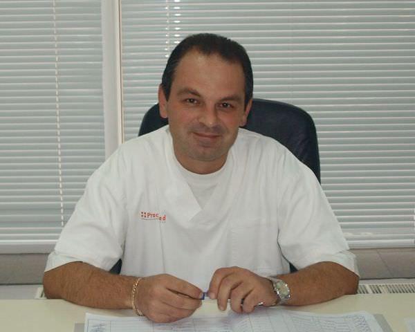 Dr. Oliver Dumitras